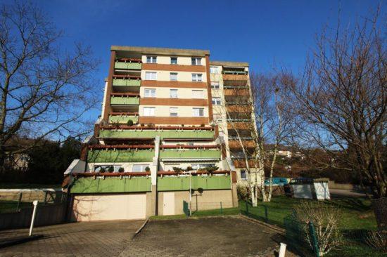 2,5-Zimmer-Eigentumswohnung mit Balkon und Tiefgaragenstellplatz in ruhiger und grüner Lage